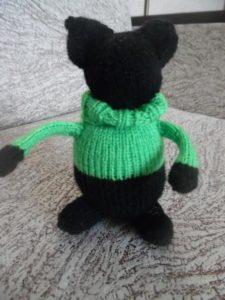 в свитере